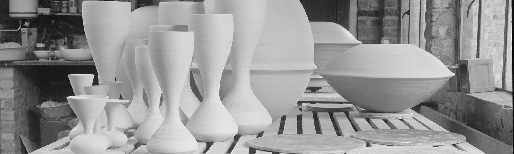 Ceramic vessels by Hans Coper © Jane Coper and Estate of the Artist