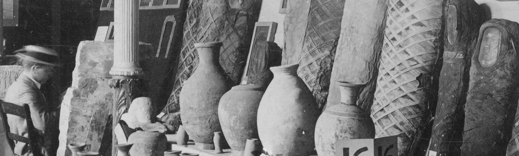 Archaeological finds from excavations at Hawara