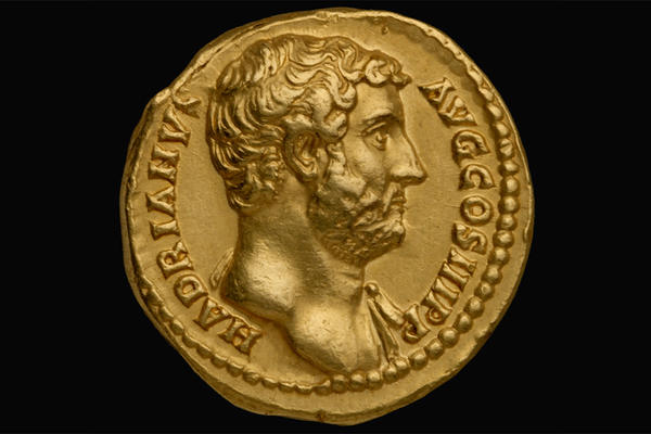 Gold coin decorated with portrait of Hadrian