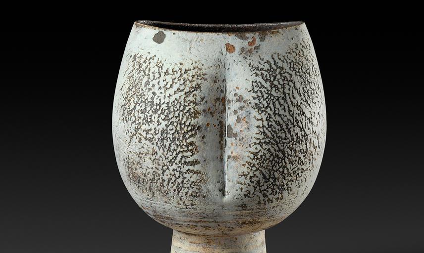 A ceramic vessel by Hans Coper © Jane Coper and Estate of the Artist